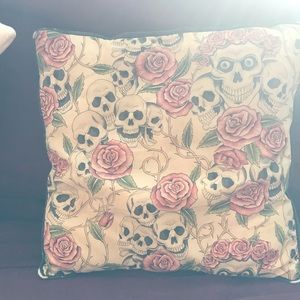 Accents - Skull and rose patterned pillow